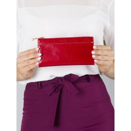 <p><strong>Czerwony miękki damski portfel